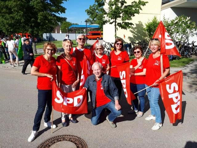 SPD marschiert mit